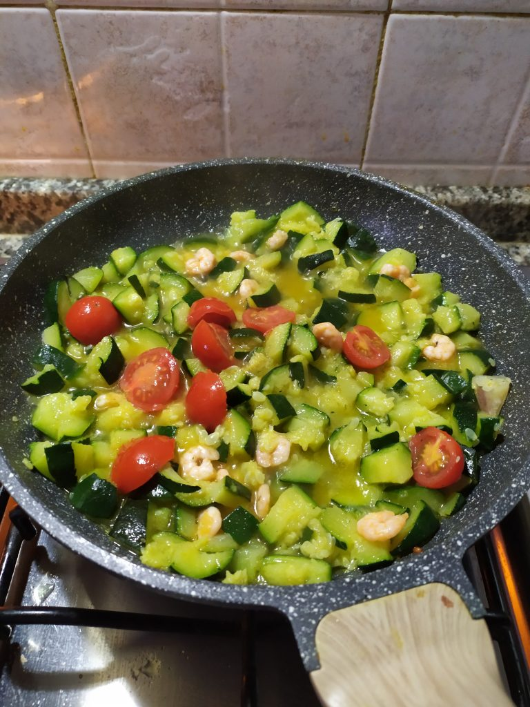ricetta pasta zucchine e gamberetti