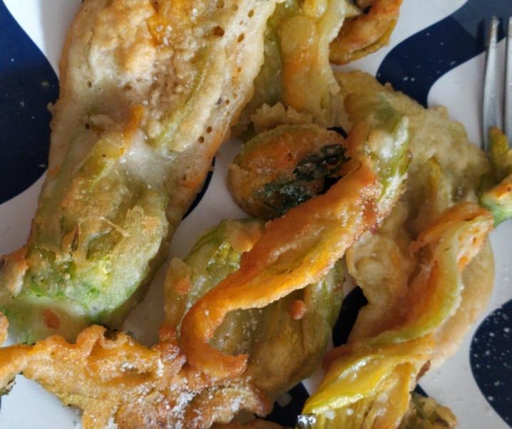 Fiori di zucca fritti in pastella (2 varianti)